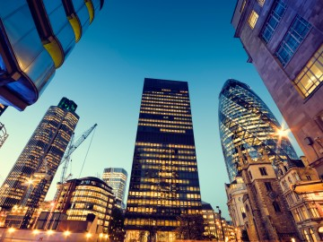 Brexit : 混乱する英国の個人向け公募不動産ファンドの市場規模とその影響力 – 2016年7月19日