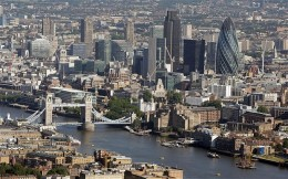 London tower bridge & city